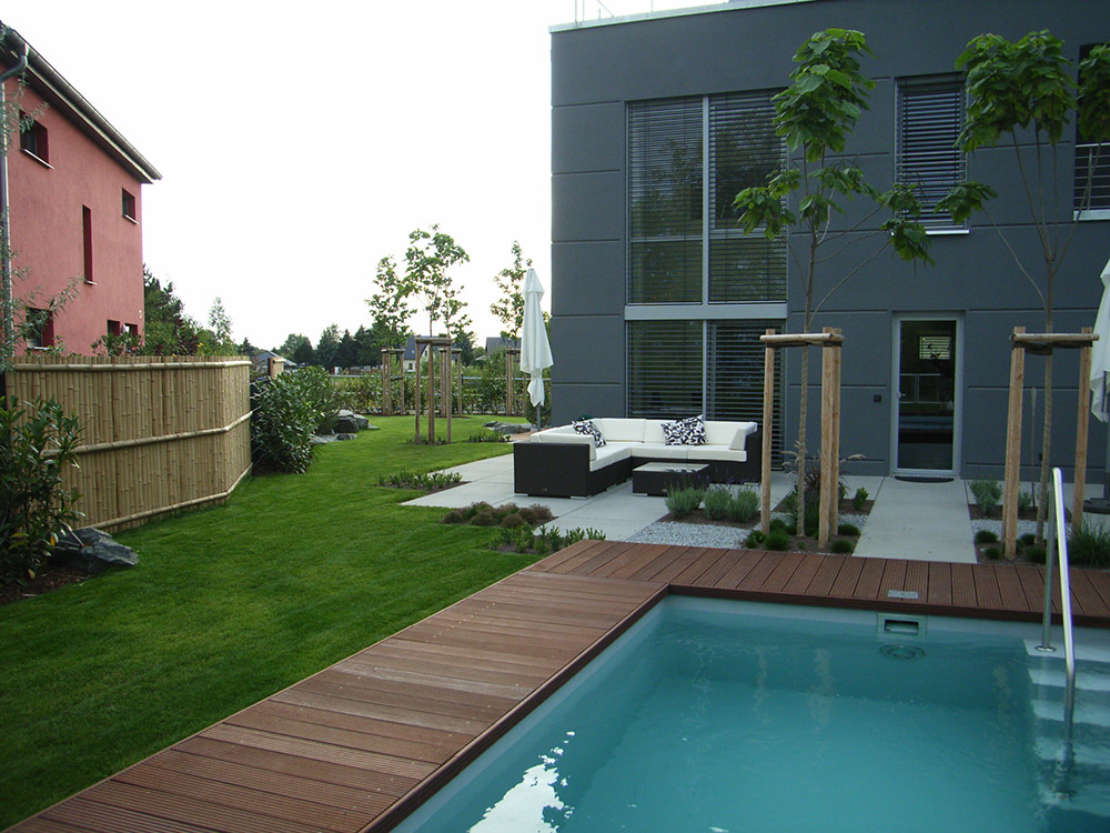 garten mit pool eule gartenbau und landschaftsbau leipzig. Black Bedroom Furniture Sets. Home Design Ideas