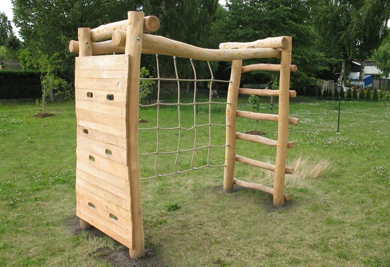 Multifunktionales Fußballtor aus Holz